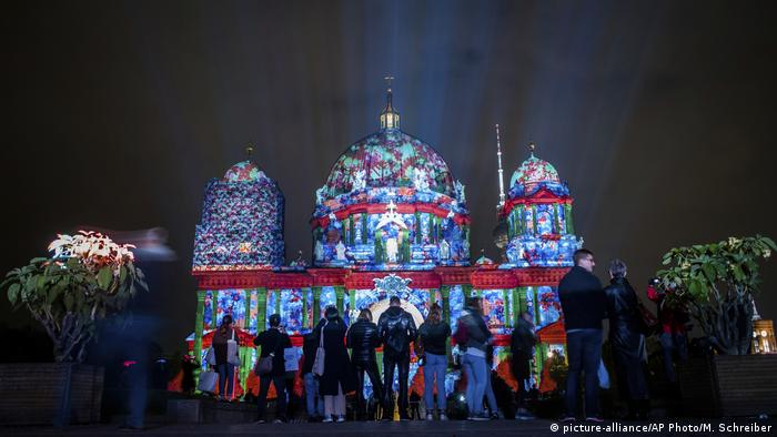 Deutschland-Lichterfest (picture-alliance/AP Photo/M. Schreiber)