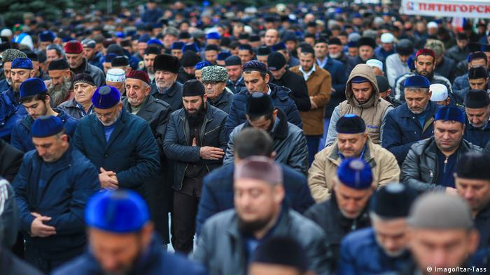 People protesting in the streets of Magas, Ingushetia (Imago/Itar-Tass)