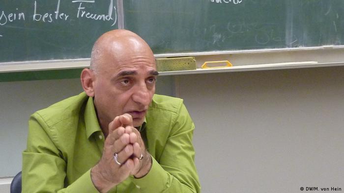 عزیز فولادوند، معلم اسلام: دین عنصری ایستا نیست