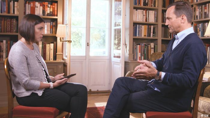 Former Polish Foreign Minister Radoslaw Sikorski talks to DW