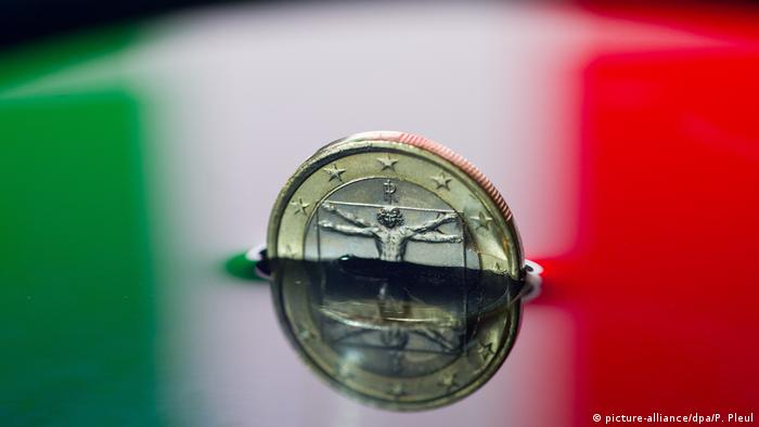 Symbolbild Italien & Euro (picture-alliance/dpa/P. Pleul)