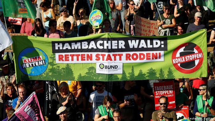 Deutschland Demonstration am Hambacher Forst (Reuters/W. Rattay)