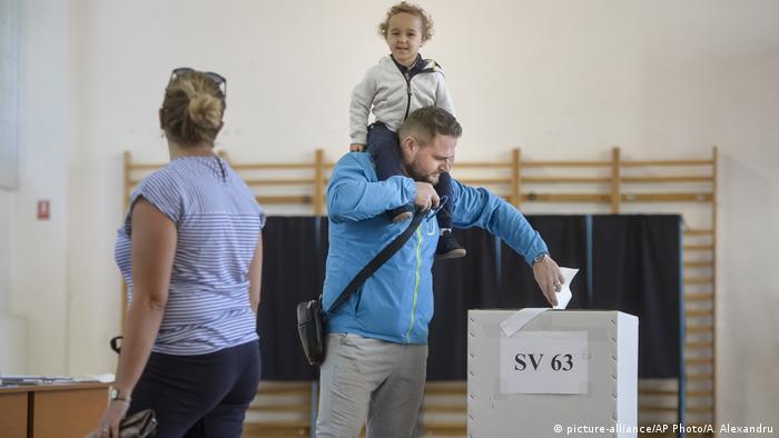 Rumänien Referendum über gleichgeschlechtliche Ehe
