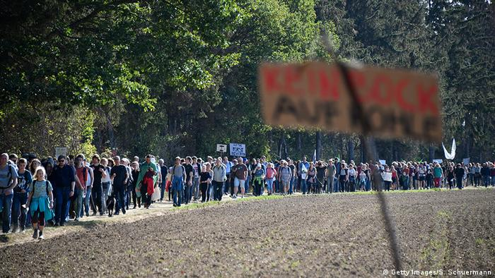 Hambacher Forst Demonstration gegen Kohleabbau (Getty Images/S. Schuermann)