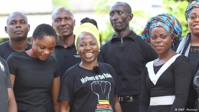 Members of Stand Up For Cameroon (DW/F. Muvunyi)