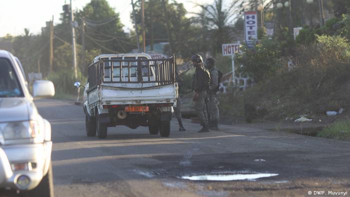 Präsidentschaftswahl in Kamerun Paramilitär