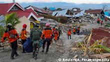 Indonesien Aufräumarbeiten nach Erdbeben in Palu