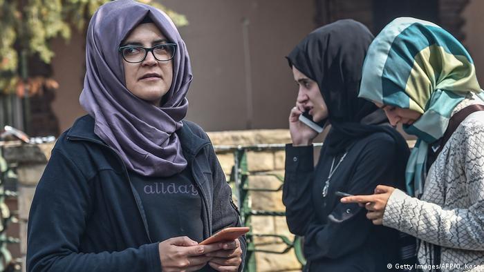 Türkei Protestkundgebung in Istanbul für vermissten Journalisten Khashoggi   Verlobte Hatice