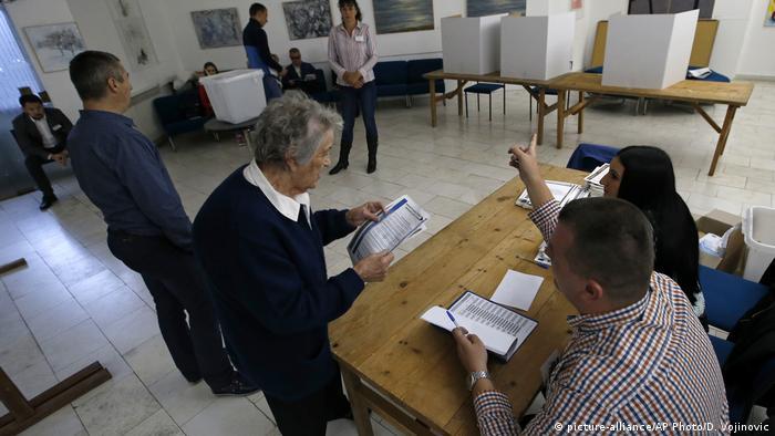 Bosnien-Herzegowina Laktasi Wahlen (picture-alliance/AP Photo/D. Vojinovic)