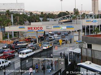 Der Grenzübergang in Richtung Mexiko von Tijuana