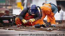 Gleisarbeiten am an der KVB-Haltestelle Barbarossaplatz. Köln, 08.09.2018 | Verwendung weltweit