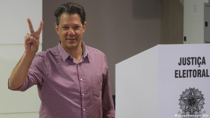 Brasilien Wahl 2018 | Stimmabgabe Fernando Haddad (imago/Xinhua/G. Bilo)