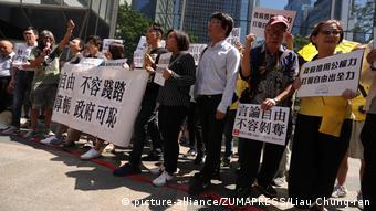 Hongkong verweigert Journalist Victor Mallet Visum nach Gesprächsrunde über Unabhängigkeit   Kritik