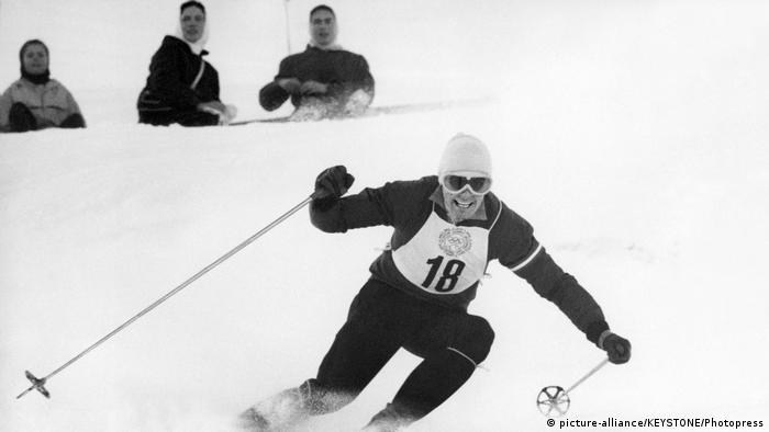 Toni Sailer in Action in Cortina 1956 (picture-alliance/KEYSTONE/Photopress)
