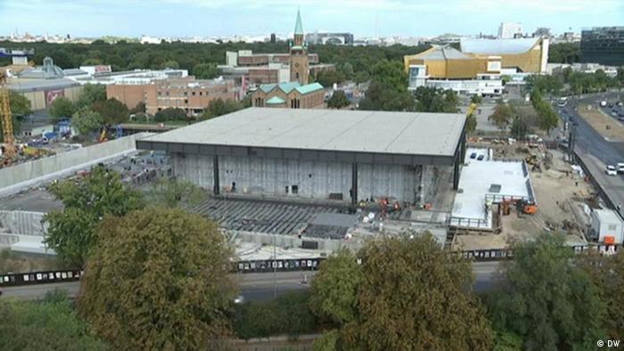 Luftaufnahme der Neuen Nationalgalerie im Bauzustand (Foto: DW).