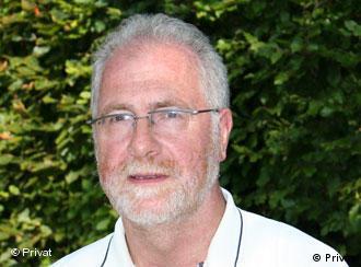 Porträt von einem Herrn mit grauen Haaren und Brille (Foto:Karl-Peter Schramm)