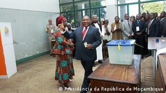 Mosambik Präsident Filipe Nyusi wählt in Maputo