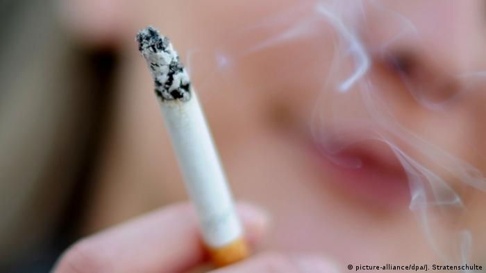 Германия ужесточает рекламу табака