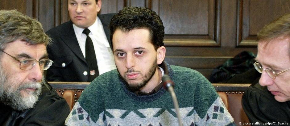 Mounir El Motassadeq em 2003, durante processo em Hamburgo