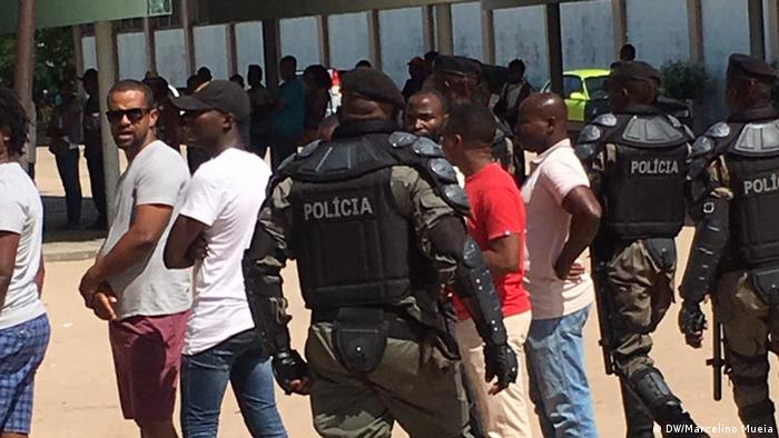 Mosambik Quelimane Lokalwahlen Polizei (DW/Marcelino Mueia)
