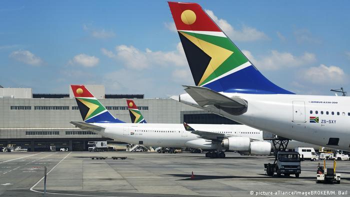 Südafrika South African Airlines Flugzeuge am Flughafen Johannesburg