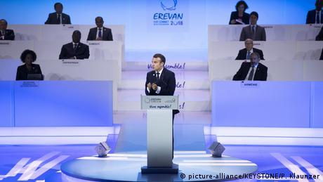 DW: Σε αγωνιώδη αναζήτηση υπουργών ο Μακρόν