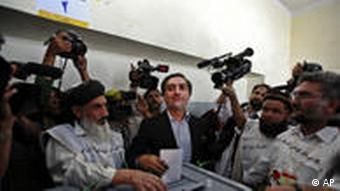 Afghan Presidential candidate Abdullah Abdullah voting in Kabul during the August 20 presidential elections in Afghanistan