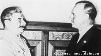 Stalini dhe Ribentroppi, ministri i jashtëm nazist, 23.08.1939