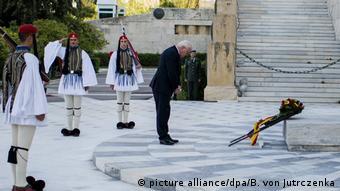 Ο Φρανκ-Βάλτερ Σταϊνμάιερ κατέθεσε στεφάνι στο Μνημείο του Αγνώστου Στρατιώτη