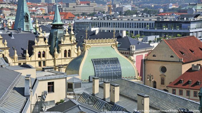 Tschechische Republik Prag Panorama vom Pulverturm Altstadt