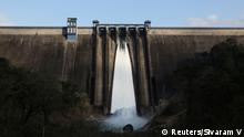 +++ Bildergalerie Indien Jahrhundertflut +++A general view of Cheruthoni dam with one open gate is seen in Idukki, Kerala, India, September 5, 2018. REUTERS/Sivaram V SEARCH SIVARAM DAMS FOR THIS STORY. SEARCH WIDER IMAGE FOR ALL STORIES. TPX IMAGES OF THE DAY.