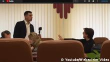 das ist ein Screen von You Tube Video des Online-Zeitung Obschtschestwennoje Mnenie aus der russischen Saratow. Ein Journalist hat ein Gespräch zwischen der regionalen Arbeitsministerin und einem Abgeordneten gefilmt. https://www.youtube.com/watch?time_continue=254&v=muQppCTyRMA