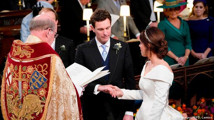 شاهزاده یوجین و جک بروکسبنک به یکدیگر قول میدهند در شادی و غم یکدیگر سهیم باشند.