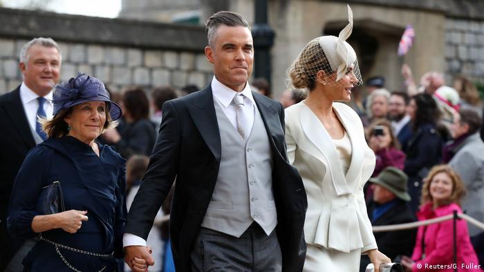 Großbritannien Royal Wedding Prinzessin Eugenie & Jack Brooksbank in Windsor | Gwen Field, Robbie Williams & Ayda Field (Reuters/G. Fuller)