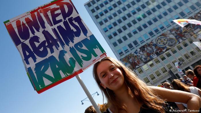 Berlin Unteilbar-Demonstration (Reuters/M. Tantussi)