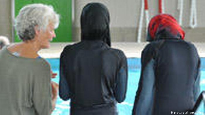 Die Journalistin Jumana Ghneimat. Photo title: Journalist Jumana Ghneimat - Alghad Newspaper Place and date, Amman, Jordan 5- 4 -2012 Copy right/photographer : Alghad Newspaper