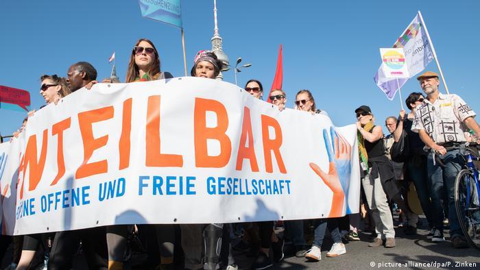 Berlin Unteilbar-Demonstration (picture-alliance/dpa/P. Zinken)