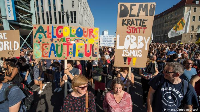 Berlin Unteilbar-Demonstration (Imago/Christian Ditsch)