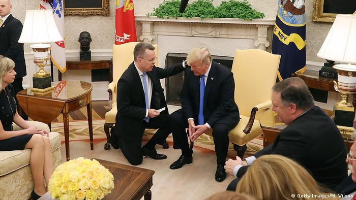 Donald Trump empfängt Pastor Andrew Brunson im Oval Office (Getty Images/M. Wilson)