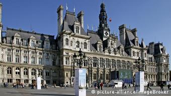Paris city hall (picture-alliance/imageBroker)