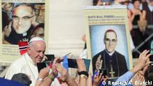 Vatikanstadt - Messe zur Heiligsprechung im Vatikan von Paul VI und Oscar Romero | Papst Franziskus