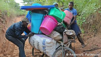 Kongo Kamako aus Angola abgeschobene illegale Flüchtlinge (Reuters/G. Paravicini)