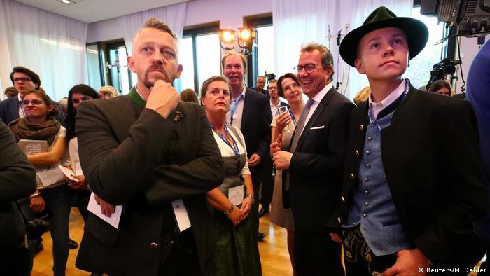 Экзитполы: Партнеры партии Меркель теряют абсолютное большинство в ландтаге Баварии