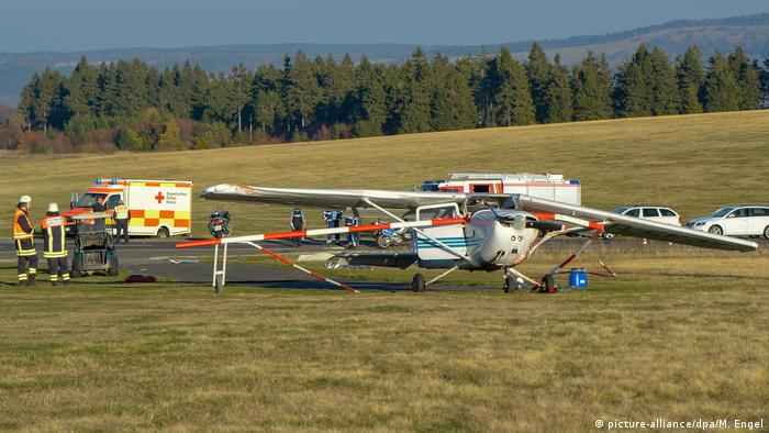 Botched plane landing kills three in Germany
