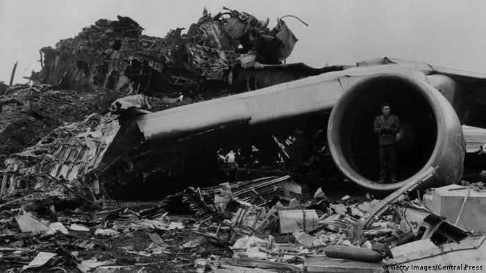 Los restos de la colisión en el aeropuerto de Tenerife (1977)