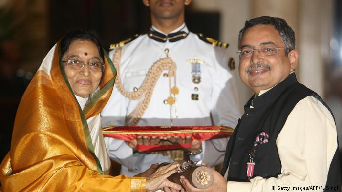 Indien Journalist Padma Shri (R) (Getty Images/AFP/P. Singh)