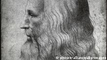 Leonardo, Selbstbildnis Mailand Leonardo da Vinci ital. Maler, Bildhauer, Architekt, Na- turforscher u. Techniker Vinci (bei Empoli) 15.4.1452 - Schloss Cloux bei Amboise 2.5.1519. - Selbstbildnis. - (Kopie nach dem Selbstbildnis, um 1500, Windsor Castle). Zeichnung. Mailand, Biblioteca Ambrosiana. |