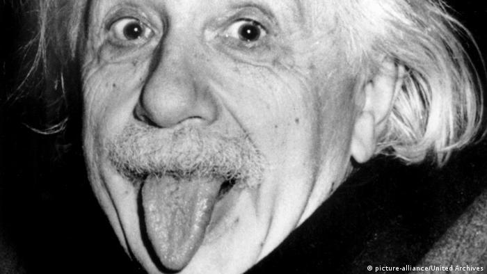 Einstein mit Zunge (picture-alliance/United Archives)