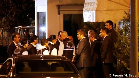 Turkish police forensic experts arrive at Saudi Arabia's consulate in Istanbul