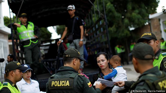 A principios de octubre, el ministro de Relaciones Exteriores de Colombia advirtió que hasta cuatro millones de venezolanos podrían vivir en el país para 2021.